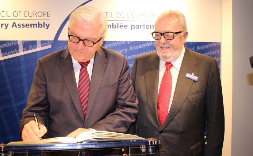 Steinmeier im Europarat: Harsche Worte für Russland, milde für Türkei